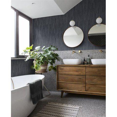 Baño decorado con papel tapiz para pared color gris oscuro